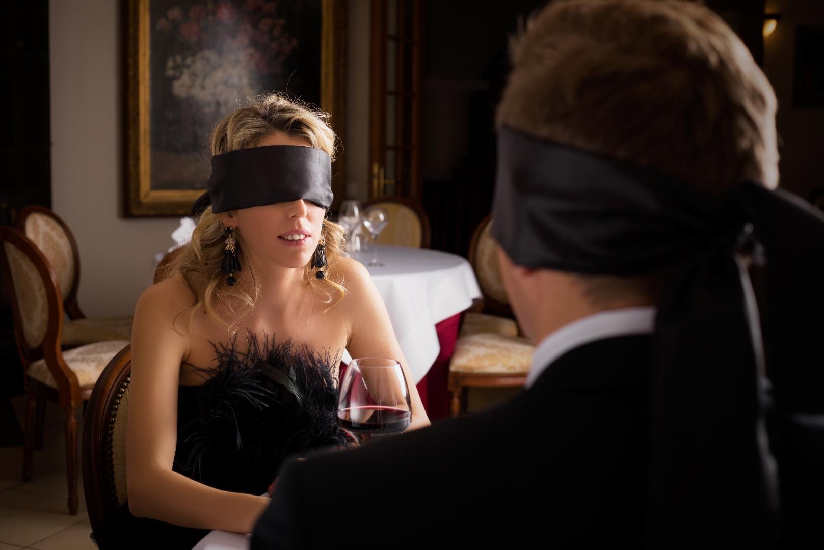 קטלני בטירוף! התחיל עם בחורה עיוורת ונתקל בסוד הצלחה מטורף עם נשים